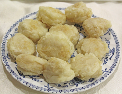 plate of Woorande, a delicious do-nut like dessert